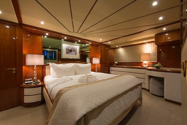 Motor yacht THE WELLESLEY - Master Cabin