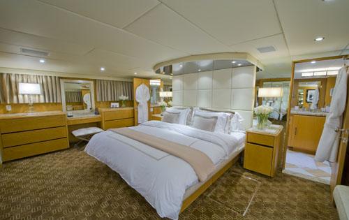 Motor yacht TRILOGY -  Master Cabin
