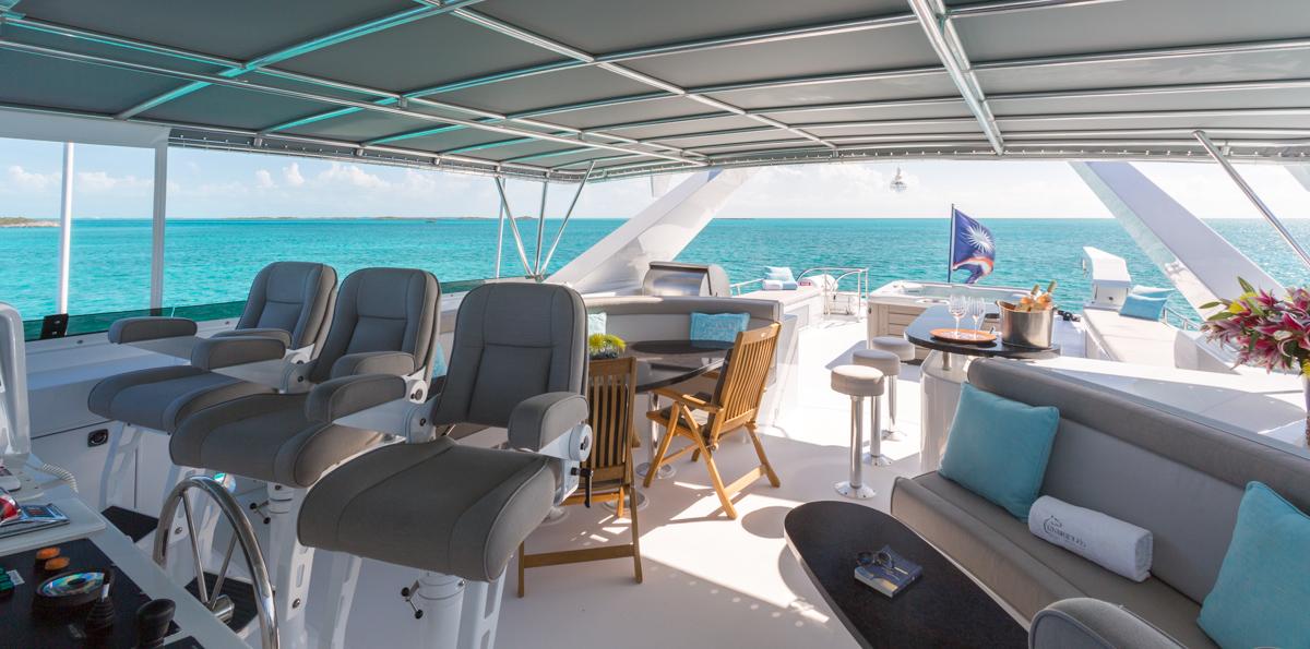 Motor yacht UNBRIDLED - 003