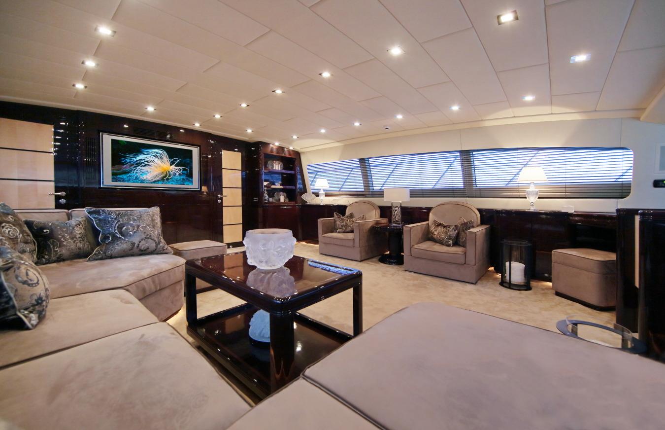 Motor yacht VERA - Main Salon Seating