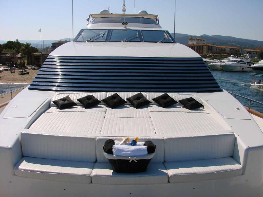 NEW LIFE -  Foredeck