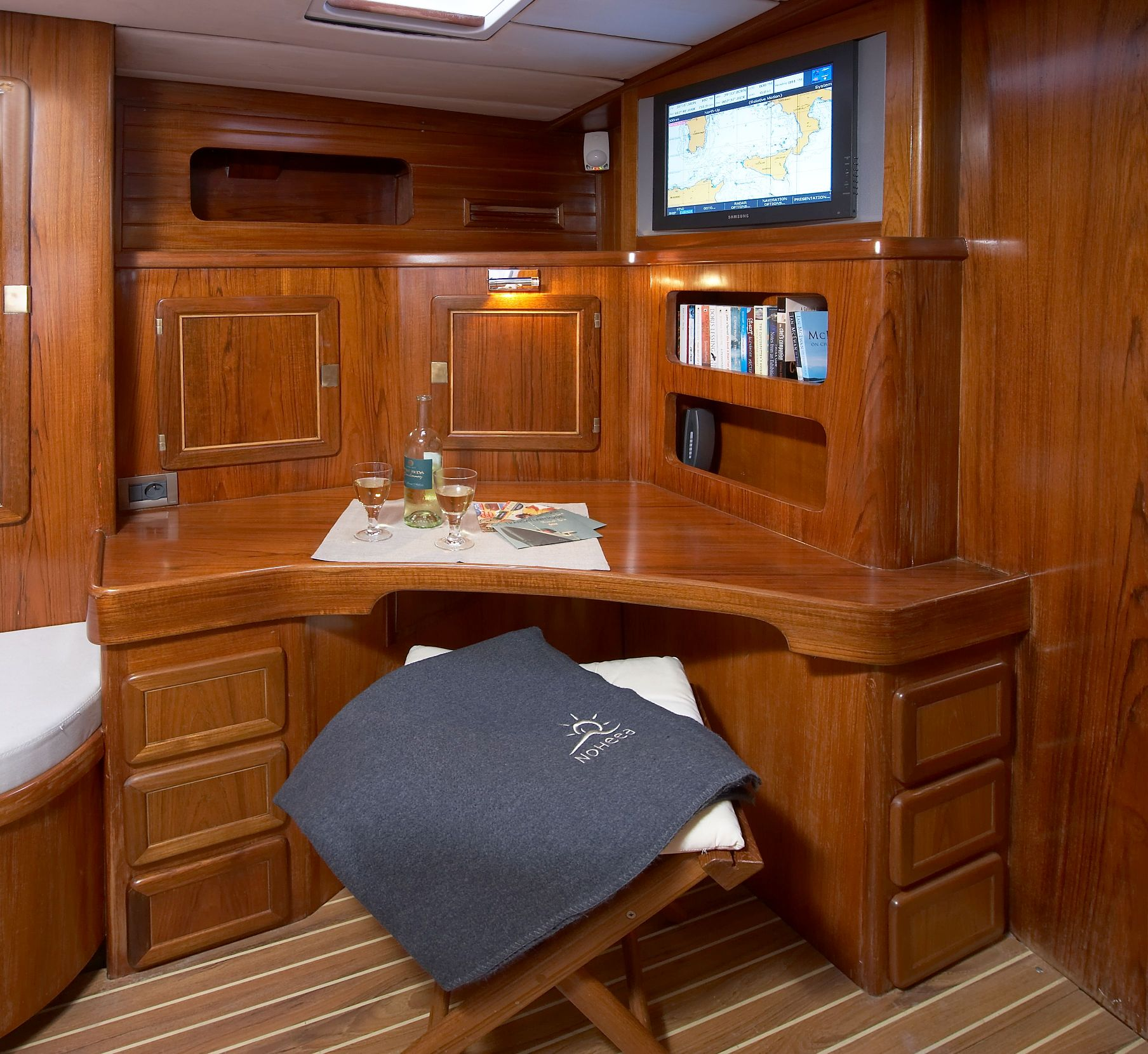 NOHEEA - The Study Desk in her Master Cabin