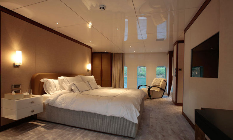 ORIENT STAR - Master stateroom main deck forward