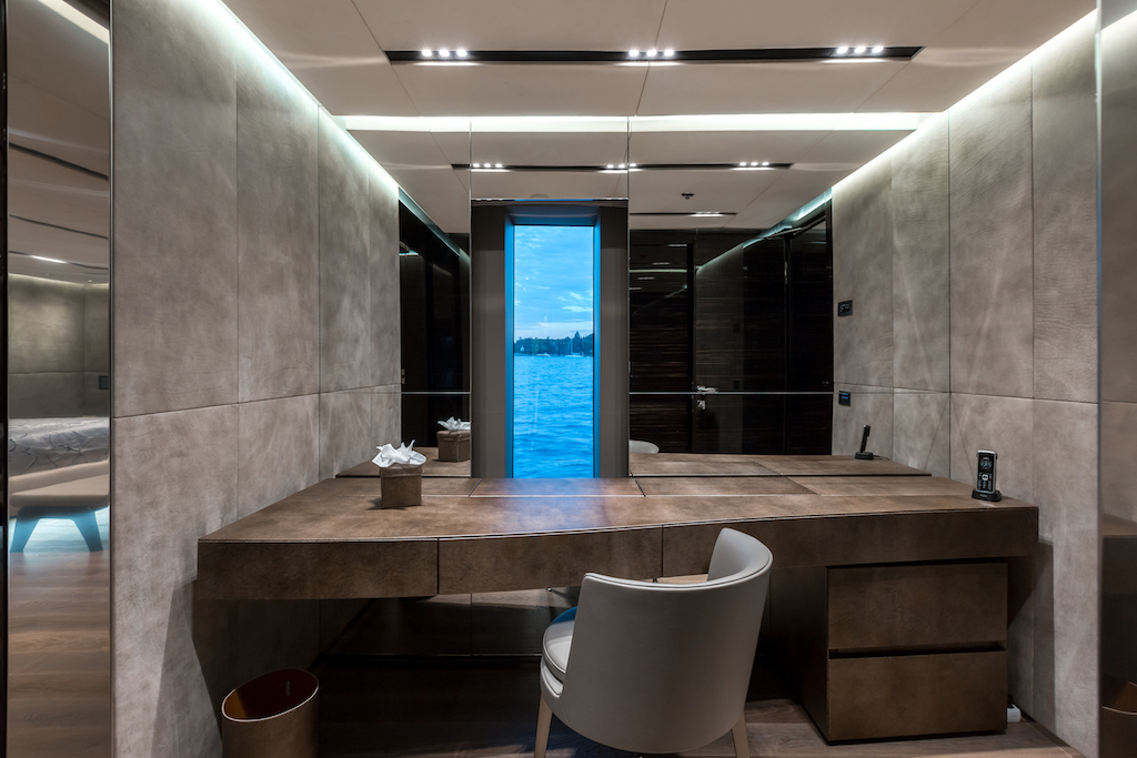 OURANOS MASTER STATEROOM OFFICE