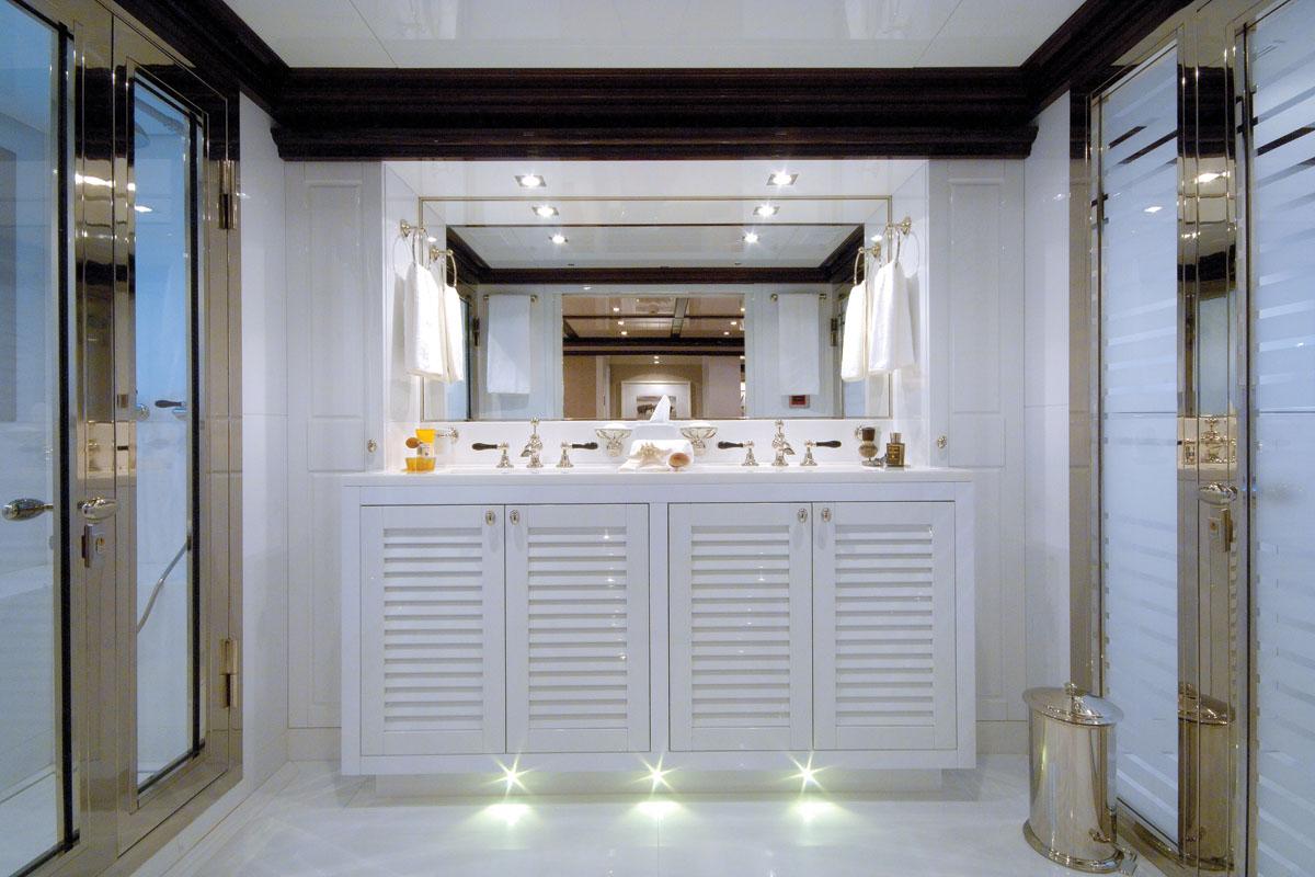 OXYGEN -  Master Bathroom