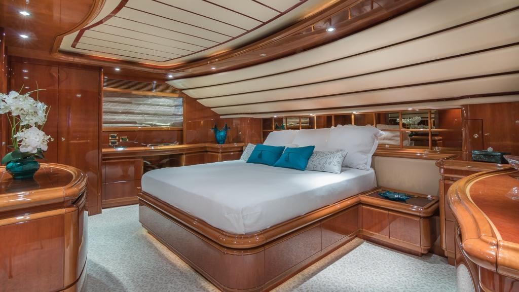 PARADISE - VIP cabin