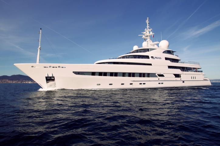 Pegaso superyacht - side view