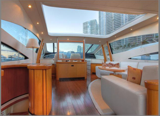 Pershing Yacht SILVER SEA - Salon with retractable roof