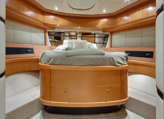 Pershing Yacht SILVER SEA - VIP Cabin