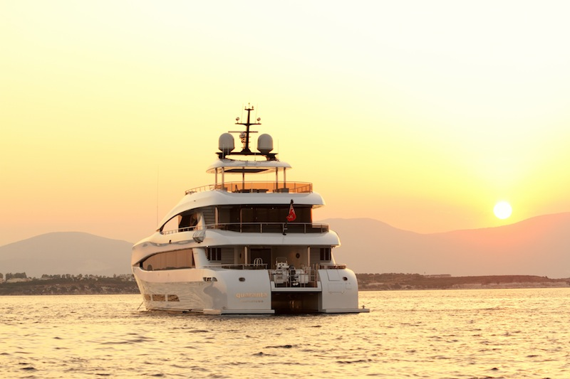Quaranta catamaran motor yacht stern