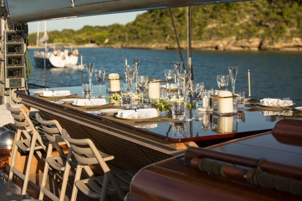RAINBOW - Alfresco dining