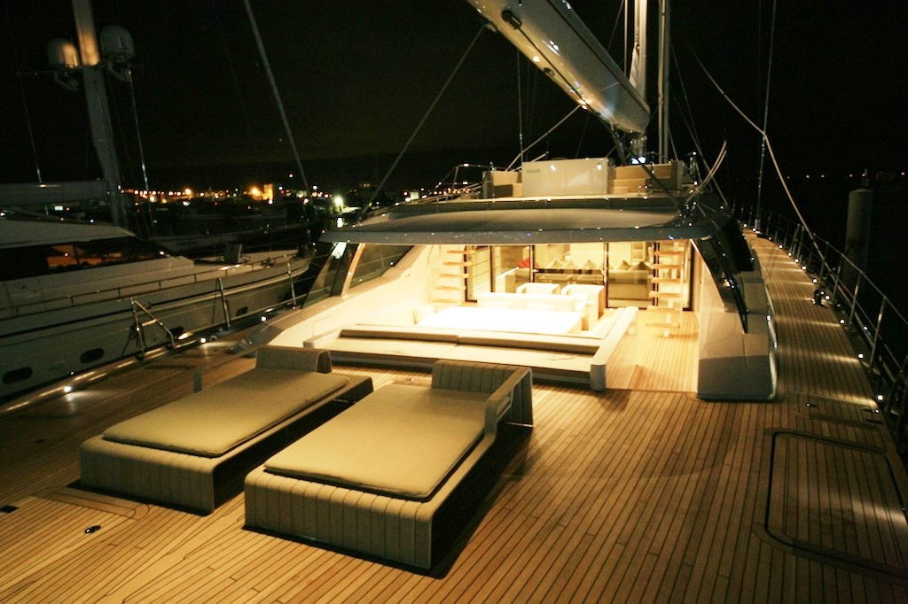 RED DRAGON - The Aft Deck Space (Photo by Axel Clark)