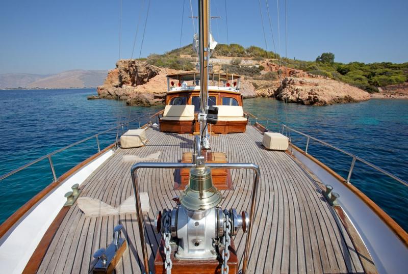 ROTA II yacht - deck