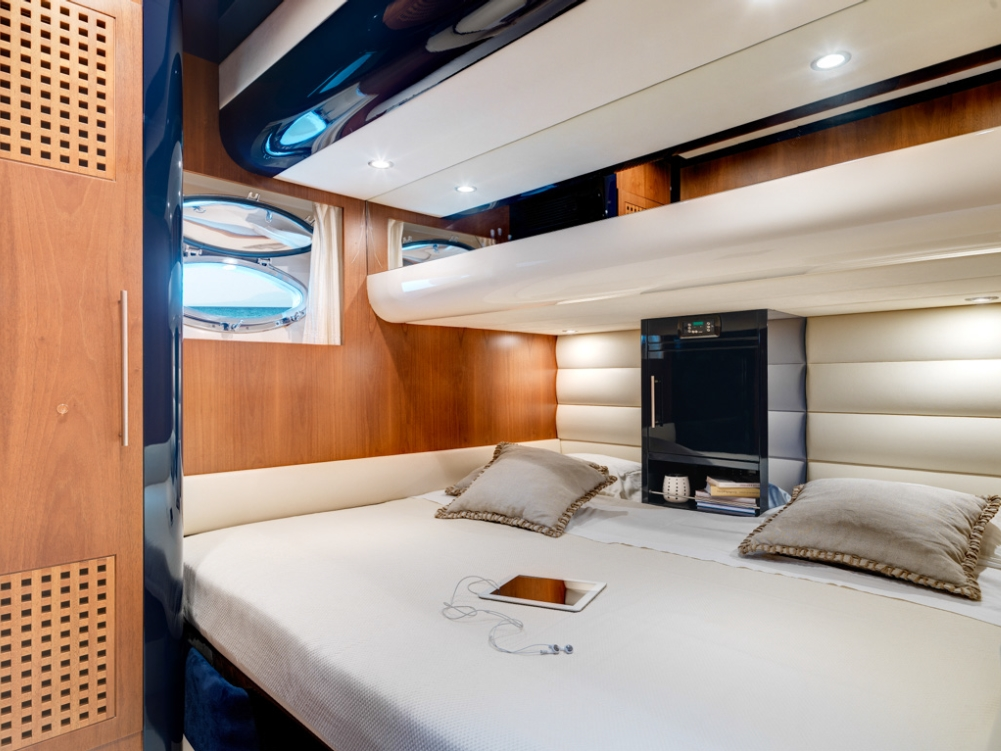 Riva 68 Yacht SPACE - Twin covertible