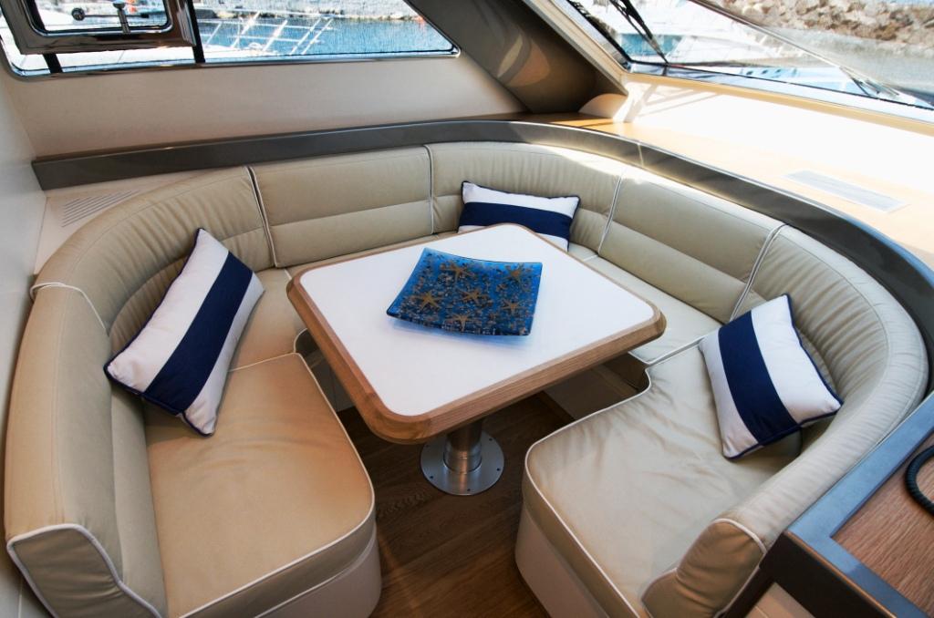 Riviera -  Forward Table