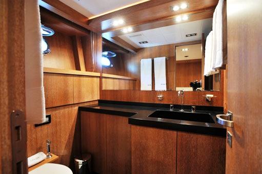 SENSE - Master bathroom
