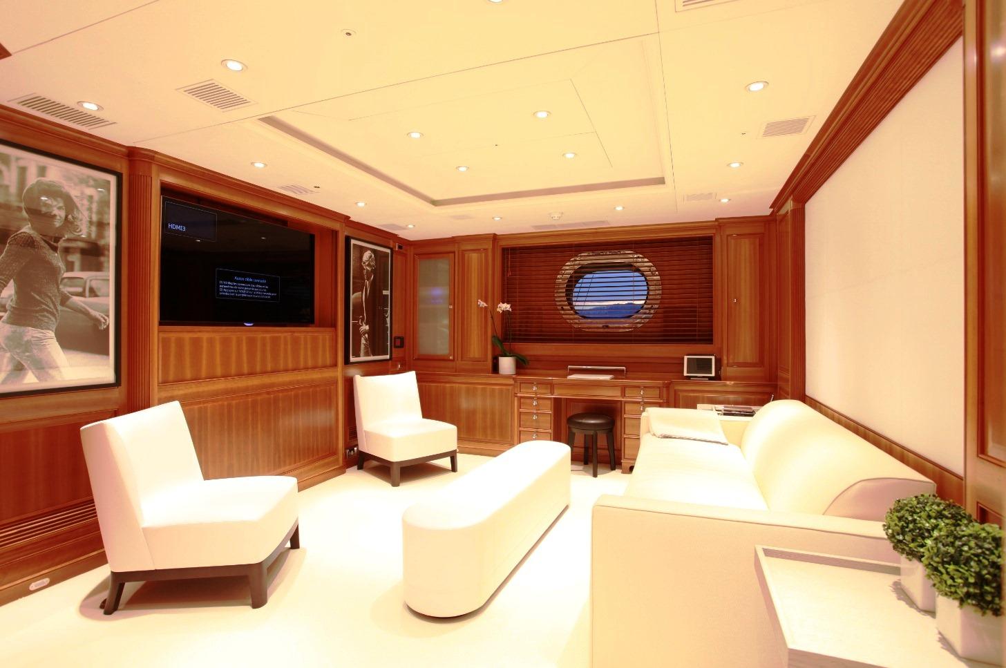 SILENCIO -  Master Cabin lounge