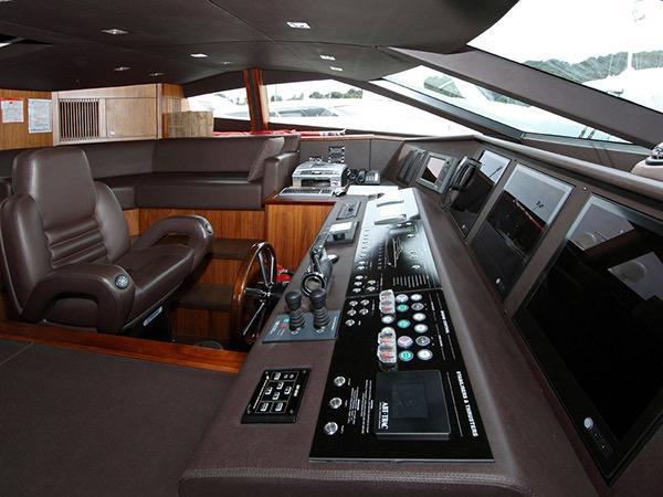 SIMPLE PLEASURE - Bridge deck credit Sunseeker Yachts