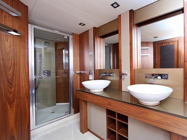 SIMPLE PLEASURE - Ensuite credit Sunseeker Yachts