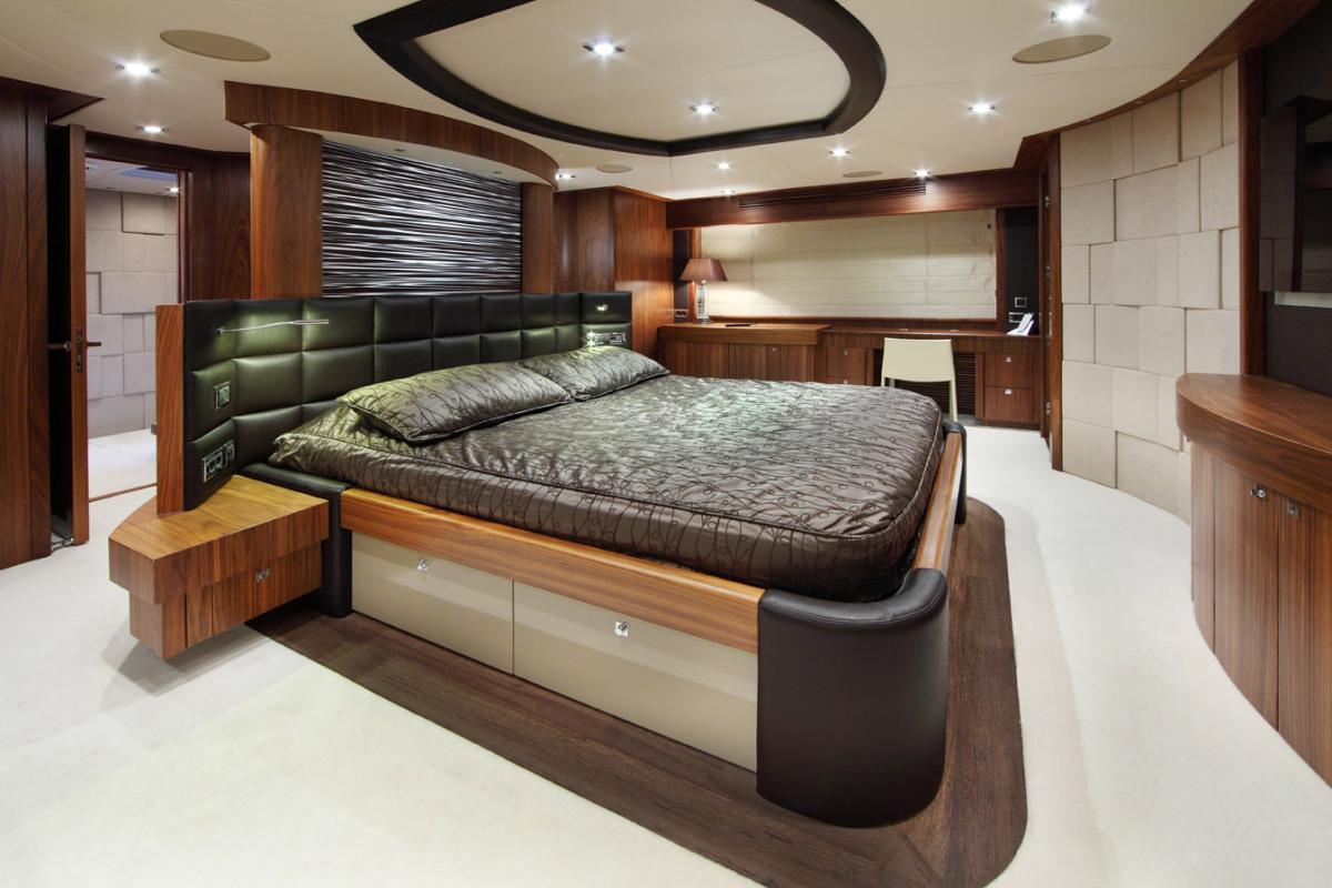 SIMPLE PLEASURE - Full beam master stateroom credit Sunseeker Yachts