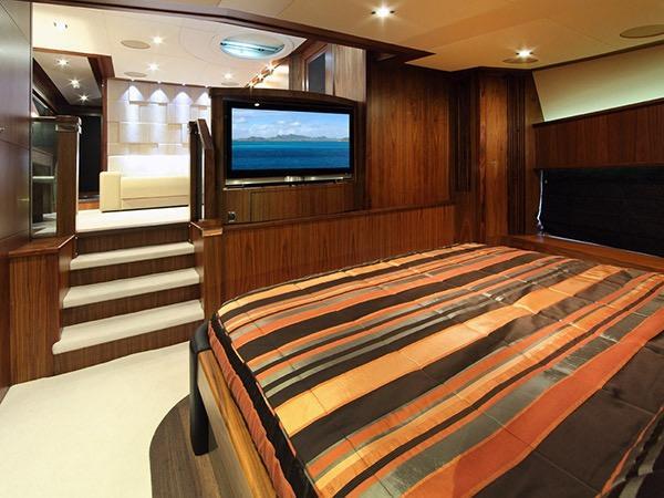 SIMPLE PLEASURE - VIP cabin main deck credit Sunseeker Yachts