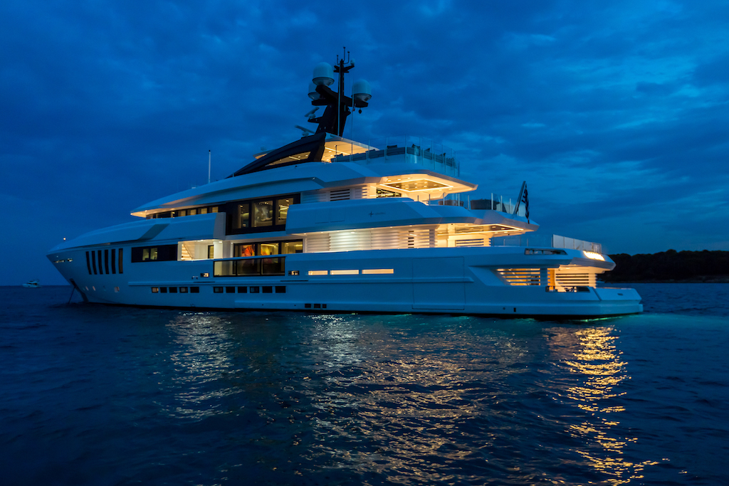 SUPERYACHT OURANOS BY ADMIRAL - AT NIGHT