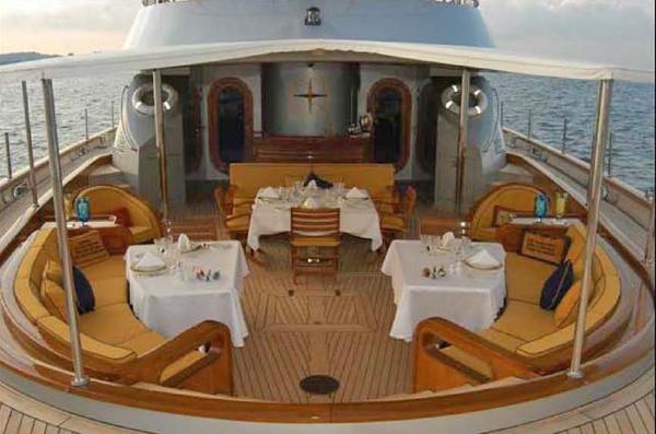 SY ANDROMEDA LA DEA - Aft deck dining 2