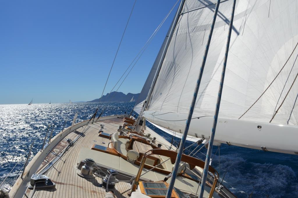 SY WHITEFIN - Under sail