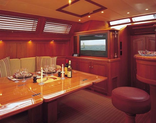 Sail Yacht AVALON -  Salon Dining