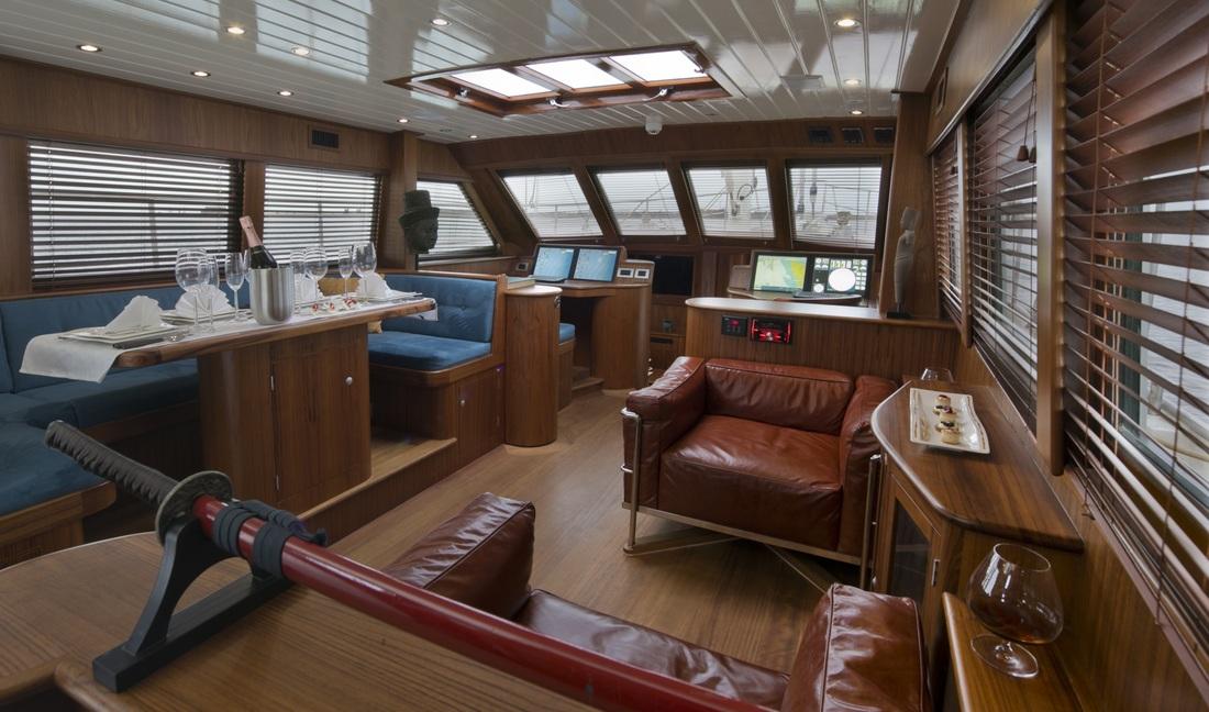 Sail Yacht DOMICIL -  Main Salon