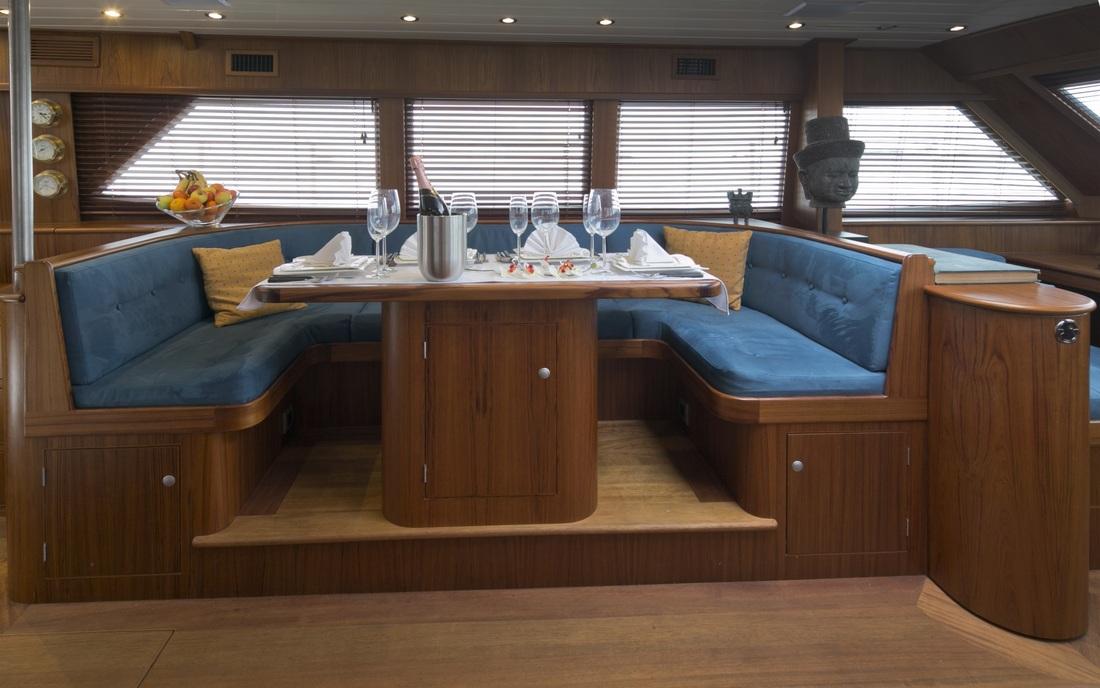 Sail Yacht DOMICIL -  Salon Dining