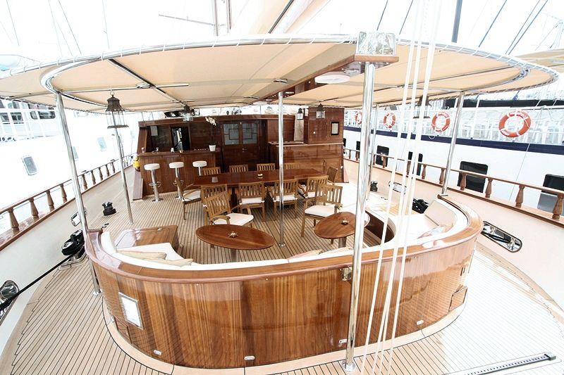 Sail Yacht DON CHRIS - Cockpit