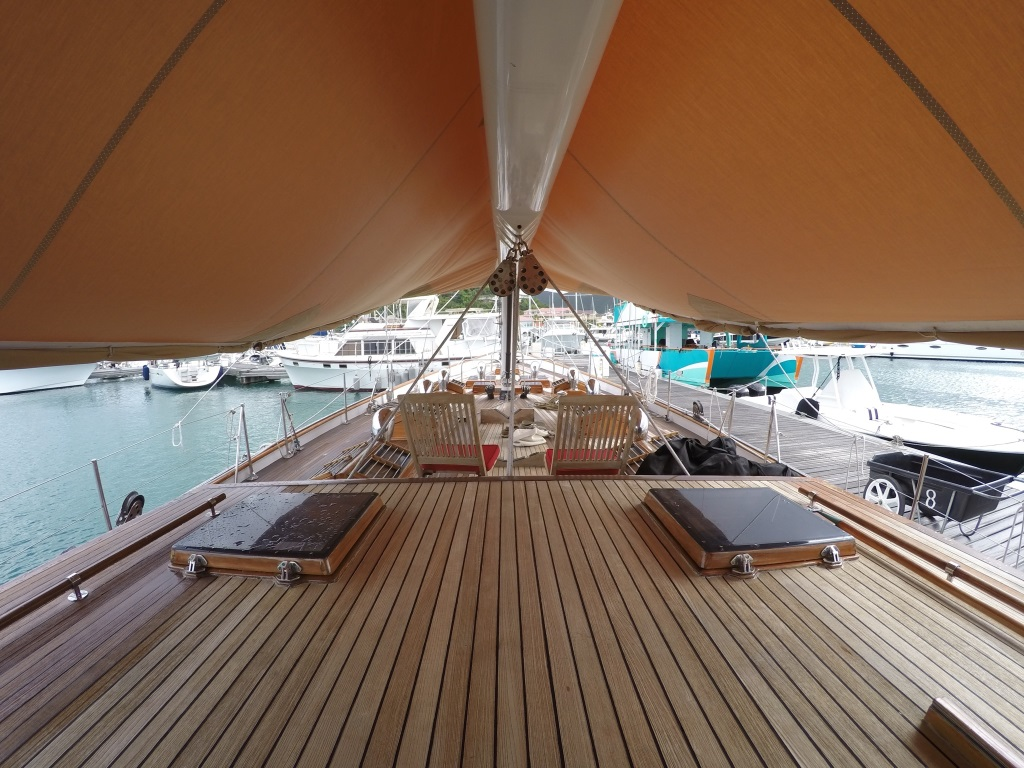 Sail Yacht NORTHERN STAR - Shaded deck