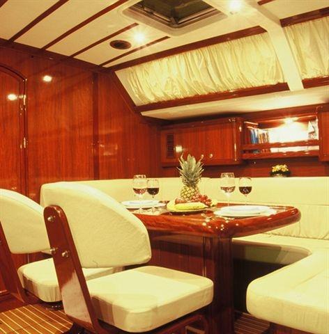 Sail yacht ATREVIDA - Salon Dining