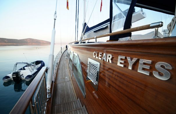 Sail yacht CLEAR EYES - Side Deck