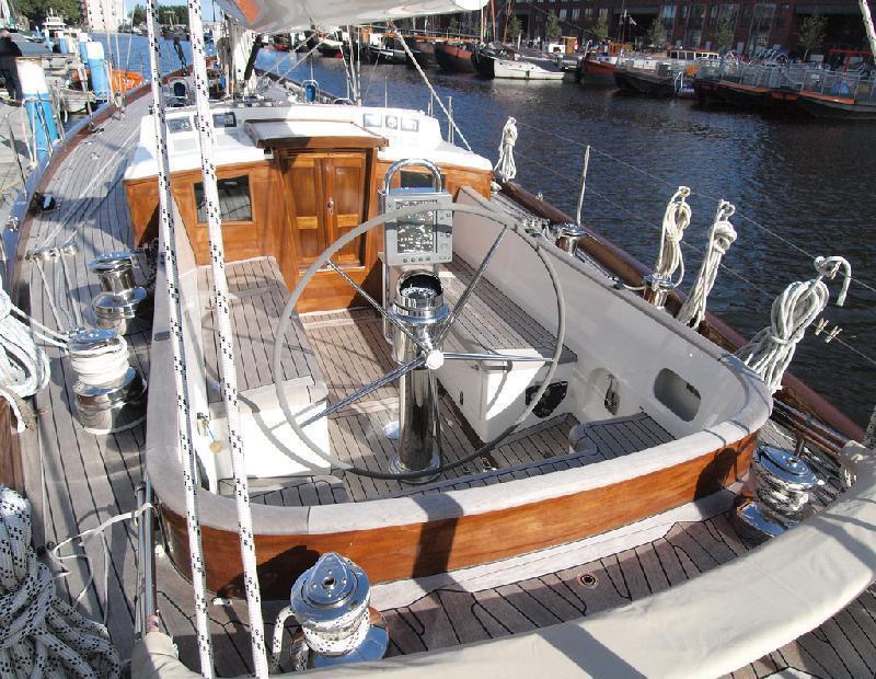 Sail yacht LADY ANN -  Cockpit
