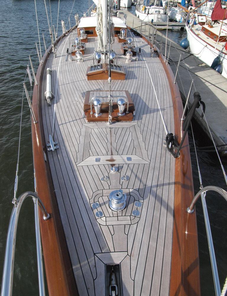 Sail yacht LADY ANN -  Deck 2