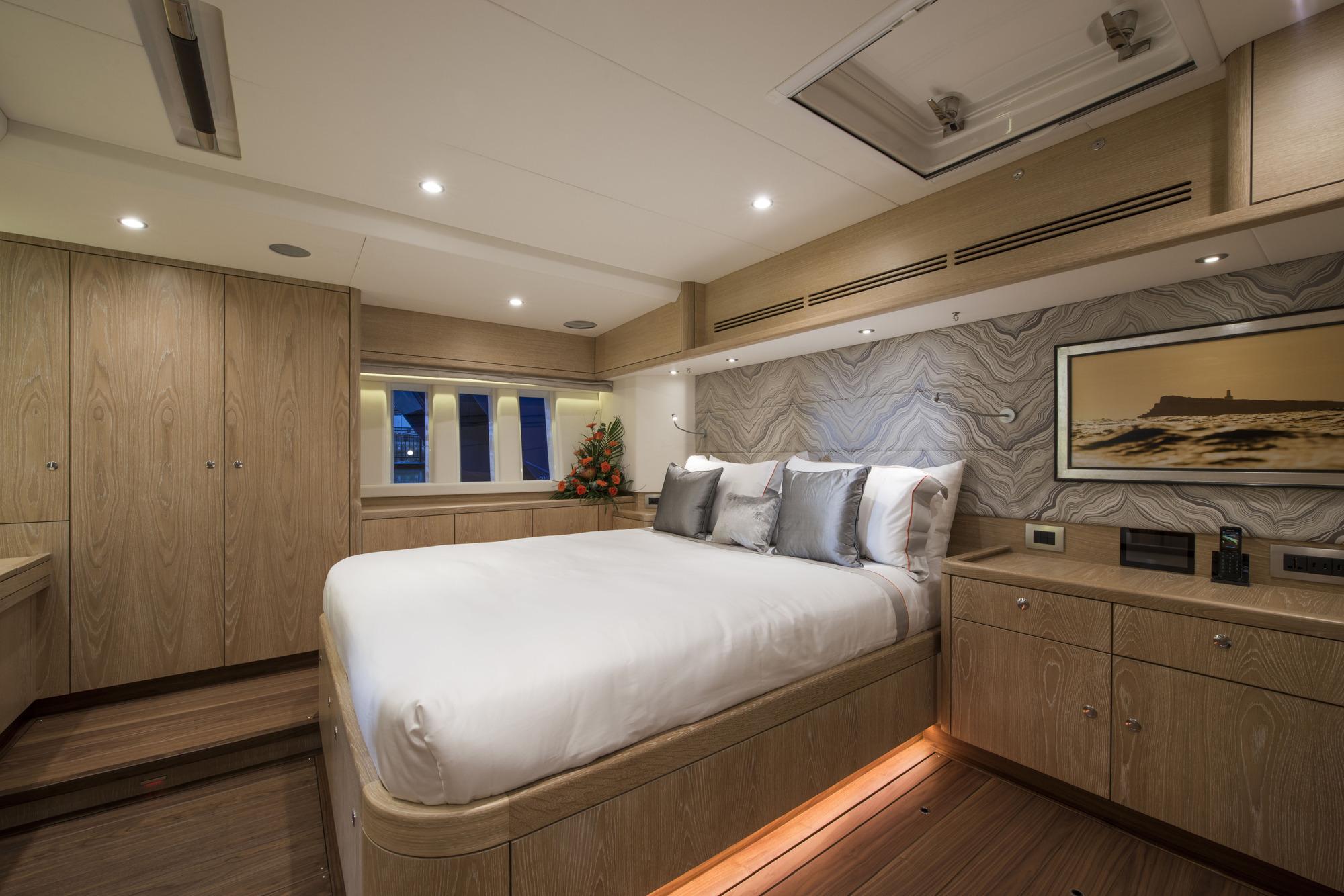 Sailing Yacht FIREBIRD - Master cabin