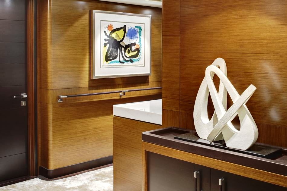 Sailing Yacht Kokomo III - Interior detail With Art