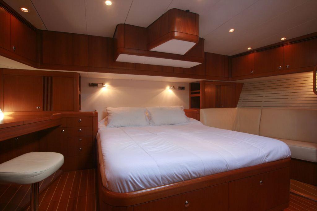 Sailing yacht ALPINA -   Master Cabin