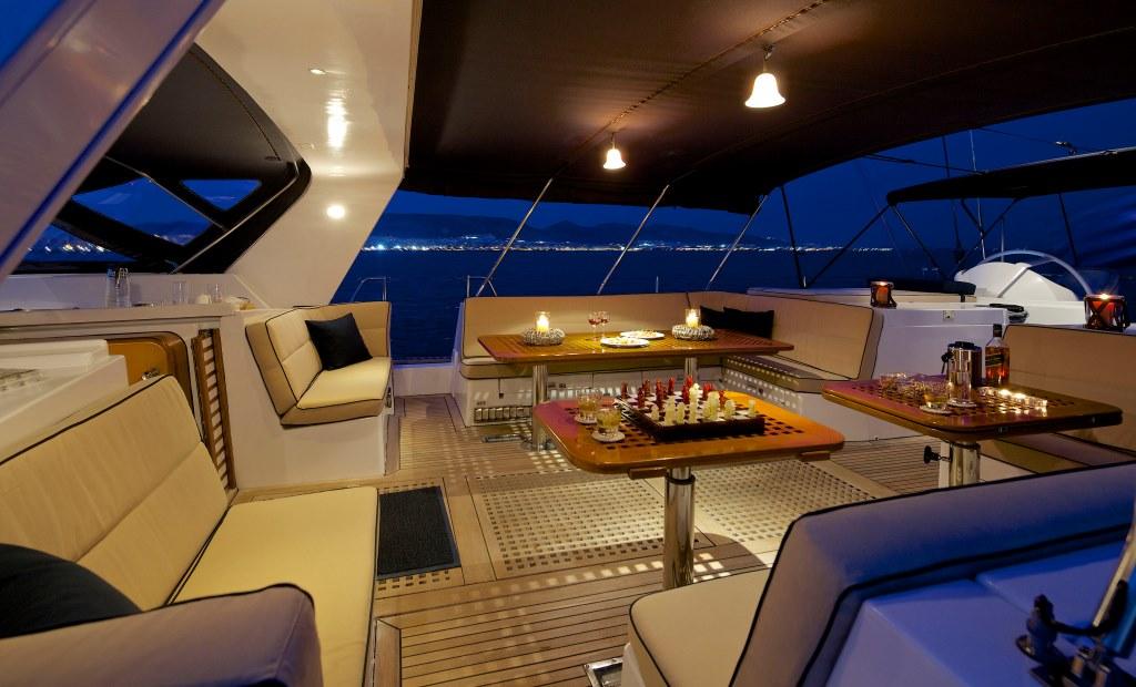 Sailing yacht AMADEUS - Cockpit at night