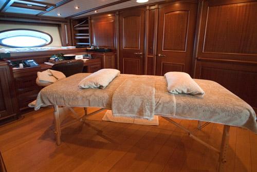Sailing yacht ATHOS -  Massage Table