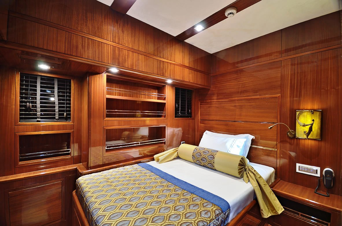 Sailing yacht GLORIOUS -  Double Cabin
