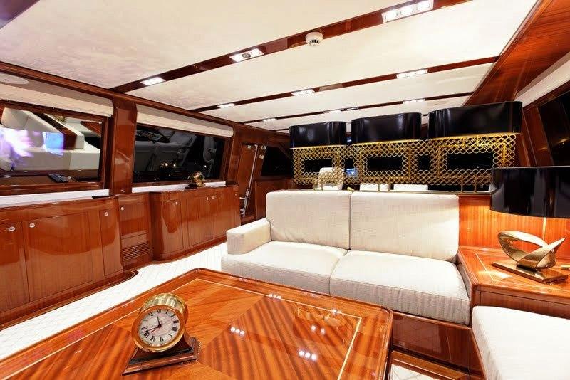 Sailing yacht GLORIOUS -  Salon Lounging
