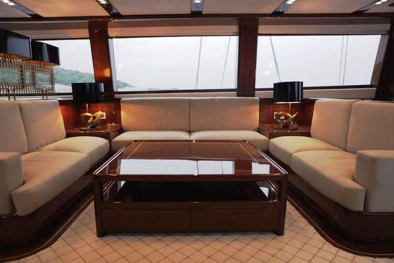 Sailing yacht GLORIOUS -  Salon Seating