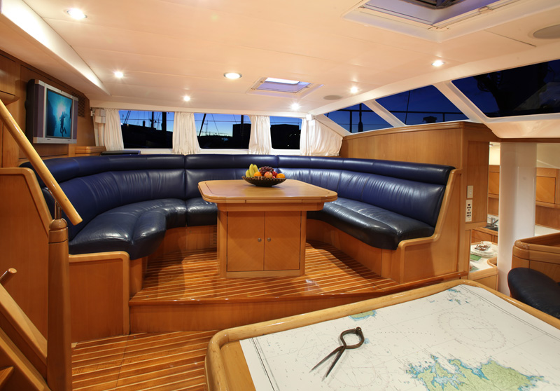 Sailing yacht KE-AMA II -  Salon