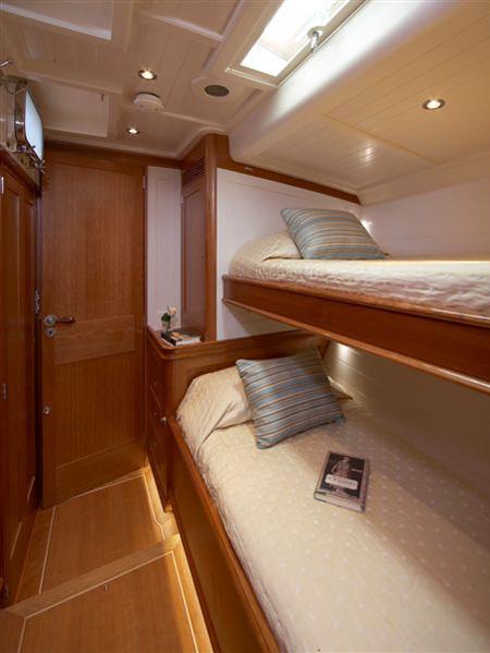 Sailing yacht KEALOHA -  Twin Cabin