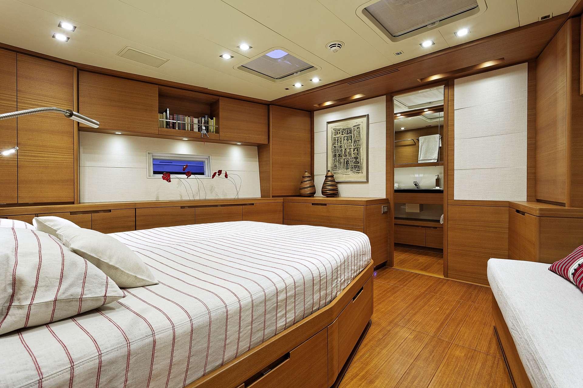 Sailing yacht MRS MARIETTA CUBE - Cabin 3