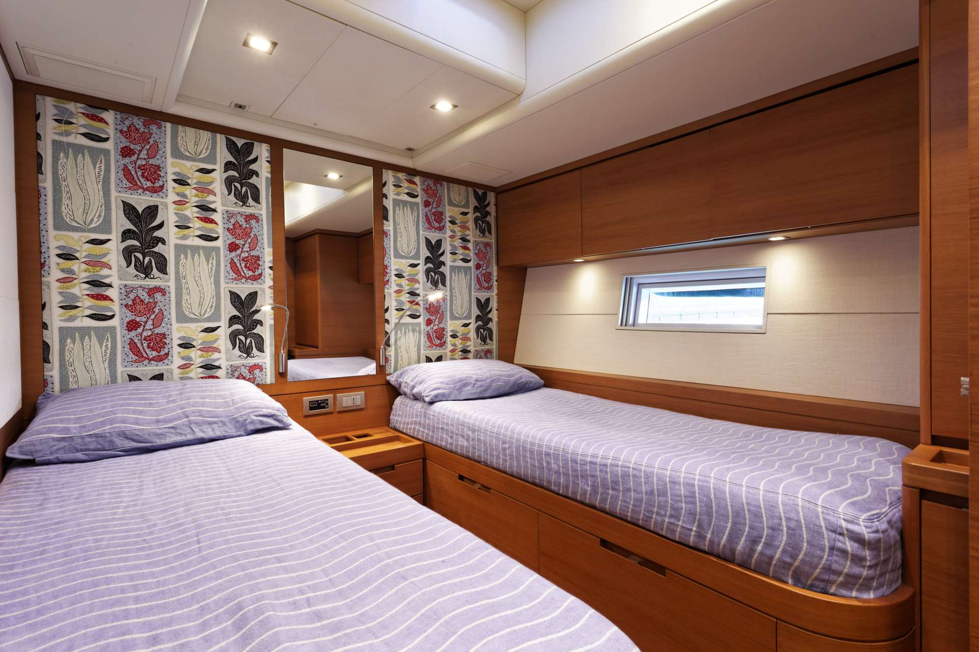 Sailing yacht MRS MARIETTA CUBE - Cabin 7