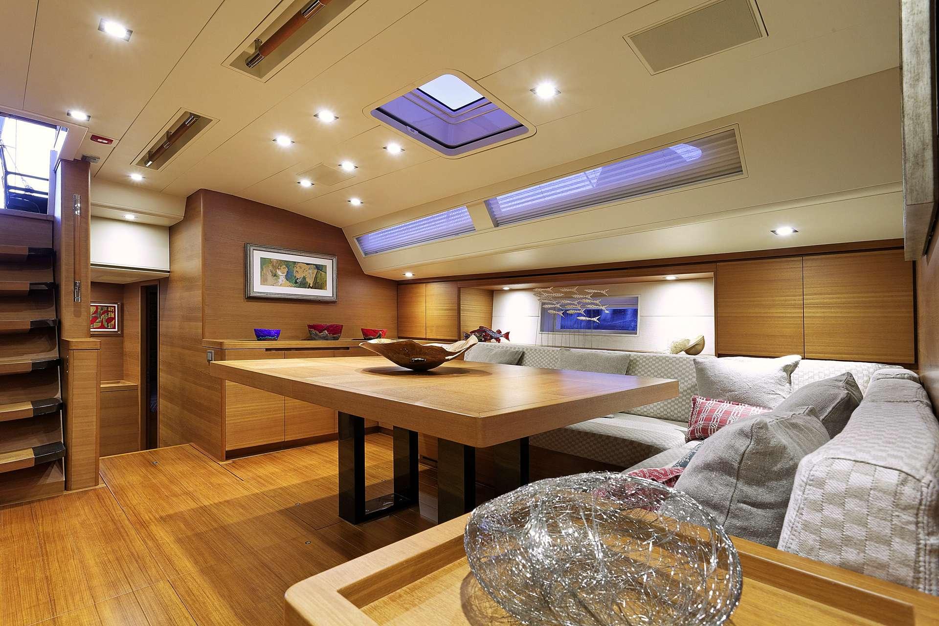 Sailing yacht MRS MARIETTA CUBE - Salon Dining